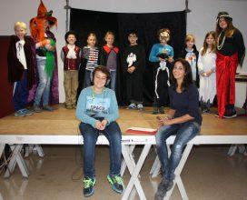 theater-gruppe-mit-anna